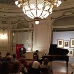 Ferando Echagüe director coordinador presentando a Alexander Panizza